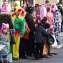 Люди на улицах Кёльна в костюмах
