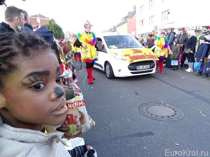 Африканцы на карнавале в Кёльне