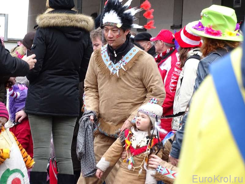 Костюм индейца на карнавале