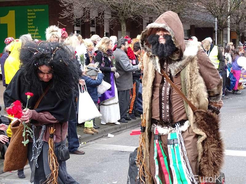 Костюм ведьмы на карнавале