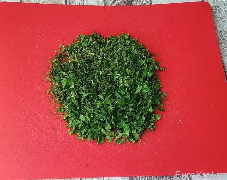 Шинкуем зелёный лук