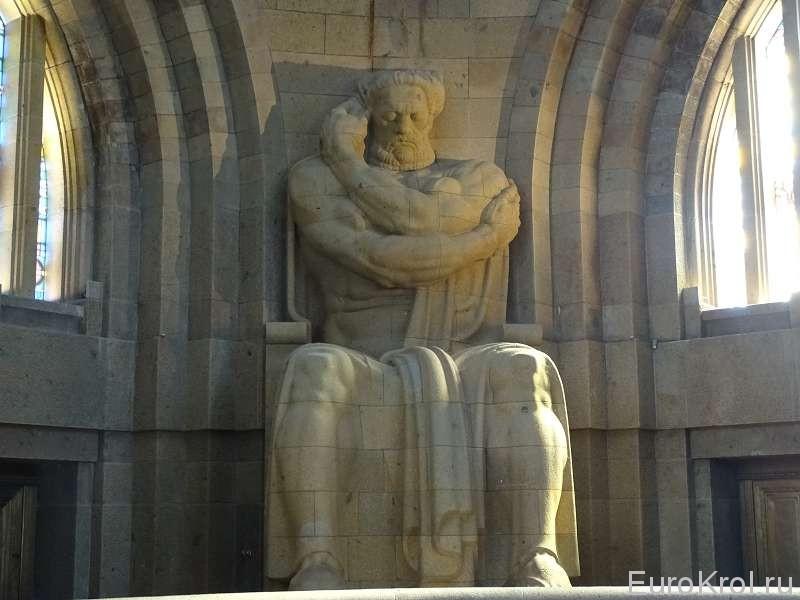 Каменный истукан Битва народов в Лейпциге