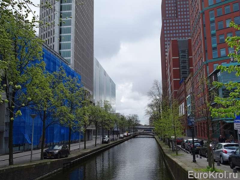 Канал и дома в Гааге
