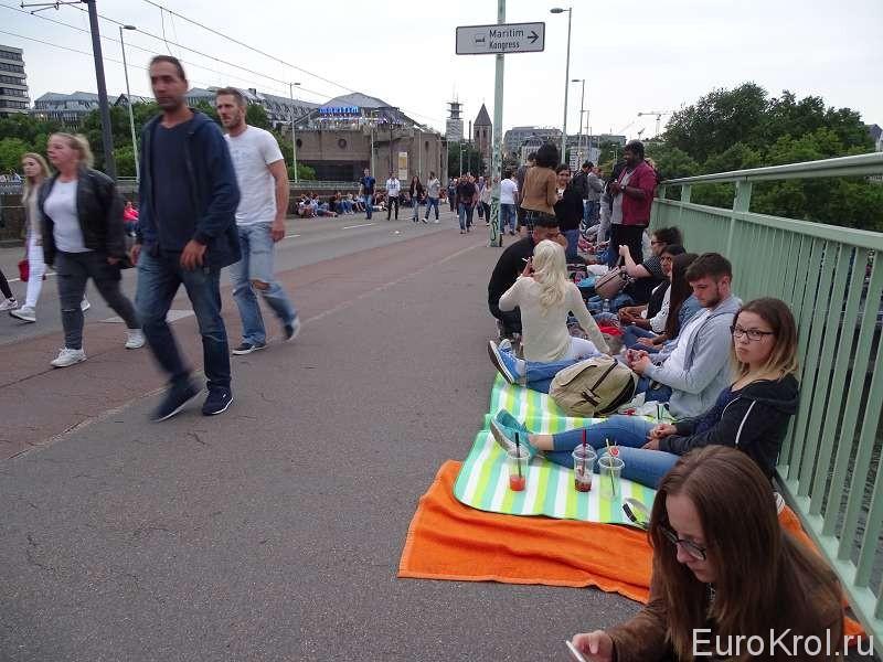 На мосту в Кёльне